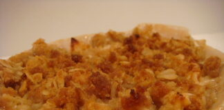 Award winning Apple crisp recipe with oats and melted butter