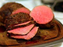 How long can a roast be kept in the refrigerator?