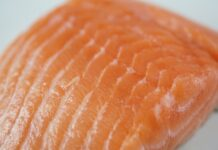 How long can you keep fresh salmon in the refrigerator? (5 storage recommendations)
