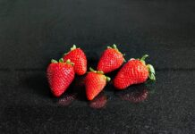 Strawberries are they a kind of berry? (What exactly are berries?)