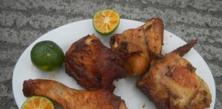 How long can marinated chicken be kept in the fridge?